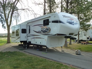 2012 Montana 3400 RL